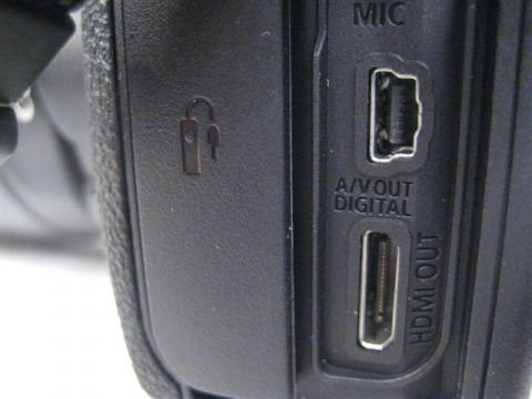 Canon 7D HDMI Port