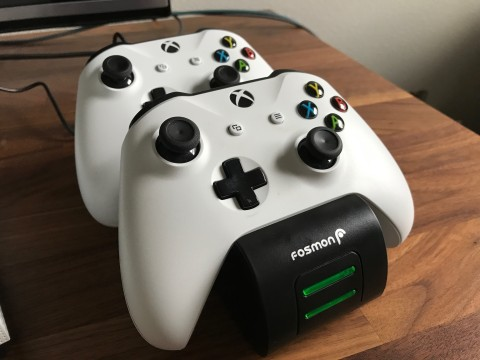 Fosmon Xbox One Rechargeable Batteries